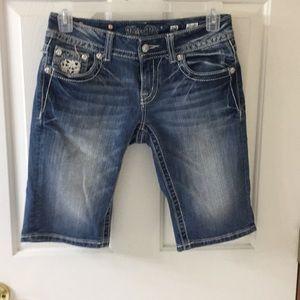 Miss me Bermuda shorts size 28 embellished nwot